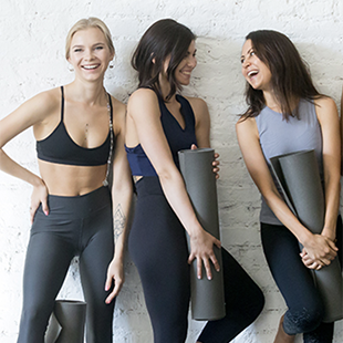 WOMEN'S ACTIVEWEAR TRENDS FOR THE NEW YEAR